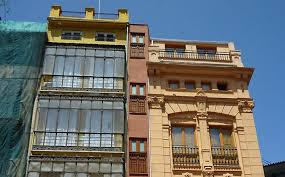 Narrowest House In The World My Vueling City The Narrowest Building In Europe