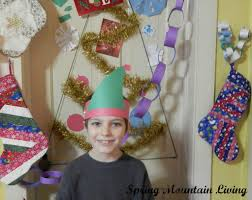 no space required easy peasy diy christmas tree for small spaces