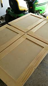 Putting Trim On Cabinets by Best 25 Cabinet Door Makeover Ideas On Pinterest Update Kitchen