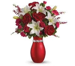 Pictures Of Vases With Flowers Petals Com Au Flowers With Vase