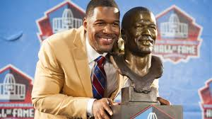 michael strahan new haircut photo michael strahan s finger doesn t bend in a normal direction
