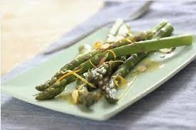 cuisiner asperges comment cuisiner les asperges vertes envie de plus
