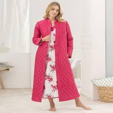 robe de chambre damart robe de chambre matelasse en satin framboise femme damart à robe de