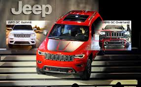 2017 jeep grand cherokee nyias 2017 jeep grand cherokee trailhawk and summit visual