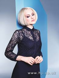 short haircuts hair parted in middle 10 looks to style your center parting middle part hairstyles