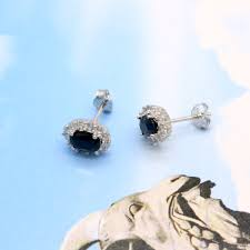 kate middleton s earrings princess diana william kate middleton s 1 44ct black