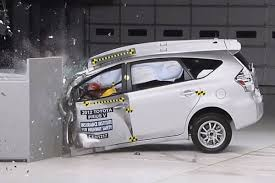 toyota prius v safety rating us agency downgrades 2014 toyota prius safety rating evworld com
