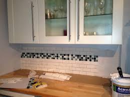 kitchen backsplash tiling grey or white grout