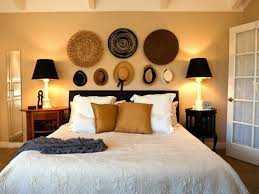 Off White Walls by 10 Simple Ways To Decorate White Walls Small Room Ideas