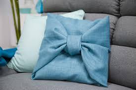coussin de canapé design diy coussin furoshiki miliboo
