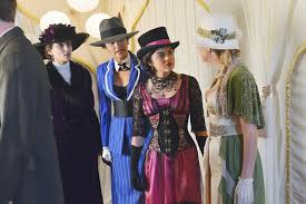 Best Costumes The Best Costumes From The Pretty Little Liars Halloween Specials