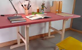 comment faire un bureau fabriquer des tréteaux en frêne pour un bureau