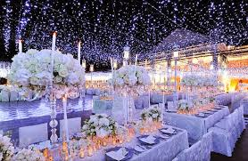 winter wedding centerpieces 10 stylish winter wedding centerpiece ideas creme de la