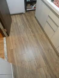 Egger Laminate Flooring Egger超耐磨木地板萊茵倒角系列美洲松木mj 4261 有泉地板 超耐磨地板