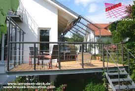 balkon und terrasse terrassen deck auf wohnebene mit zugang zum garten direkt vom