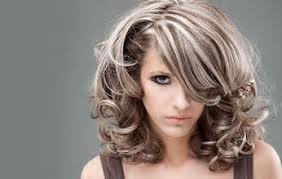 frosted gray hair pictures hairstyle of gray hair with highlights to accent http www