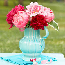 easy mother u0027s day flower arrangements from better homes and gardens
