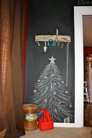 christmas tree made out of newspaper alternatieve kerstbomen