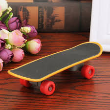 Pet Mini Skateboard Bird Training Skateboard Plastic Stents Scrub