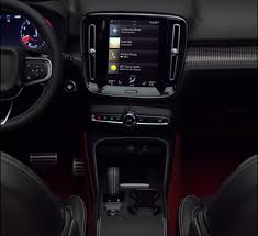 video volvo xc40 revealed ahead of its launch in a leaked trailer
