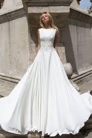 robe mariã e fluide robe de mariée fluide en crêpe de soie oksana mukha