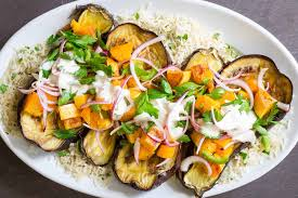 cuisiner une butternut roasted eggplant and butternut squash with tahini yogurt sauce