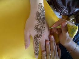 henna tattoo bali where to get safe henna tattoos in bali