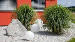 gartengestaltung mit steinen und grsern kiesbeet anlegen egarden