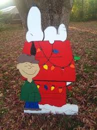 Snoopy Outdoor Christmas Decorations 25 Unique Charlie Brown Christmas Decorations Ideas On Pinterest