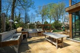 20 Outdoor Kitchen Design Ideas And Pictures by Charming Rustic Outdoor Kitchens And Best 20 Outdoor Kitchen Bars