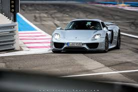 porsche 918 front porsche 918 spyder at paul ricard circuit front side sssupersports