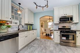 top benefits of maple kitchen cabinets