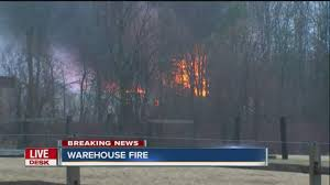 Graham Wa Wildfire by Fire Crews Battle Two Alarm Fire In Newstead Youtube