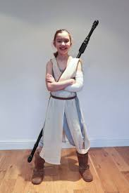 to make an awesome diy star wars rey costume on a budget