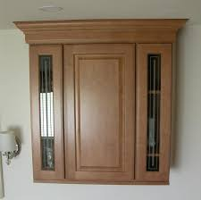 Cabinets With Crown Molding Raised Panel Cabinets Bring Elegance To Your Kitchen Space
