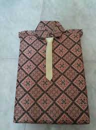 tutorial membungkus kado simple cara membungkus kado simple dengan beragam bahan dan bentuk