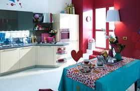 cuisine blanche mur framboise cuisine blanche mur framboise peinture murale cuisine 50 exemples