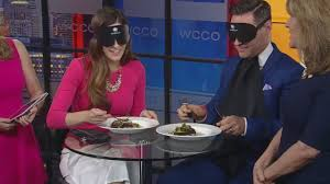 Blind Dining Singapore Dining In The Dark U0027 Benefits Foundation Fighting Blindness Youtube