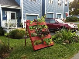 niki jabbour the year round veggie gardener a vertical pallet