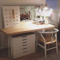 Lighted Desk Furniture Rectangle White Wooden Makeup Desk With Double Drawers