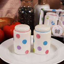 salt and pepper wedding favors salt pepper shakers wholesale wedding favors by ruby blanc