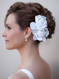 bridal flowers for hair adore the soft texture and the white gardenias wedding hair