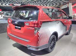 innova 2017 toyota innova venturer with body graphics at giias 2017 right rear
