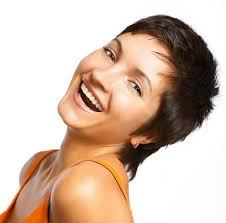 short hair heart shaped face hair style and color for woman