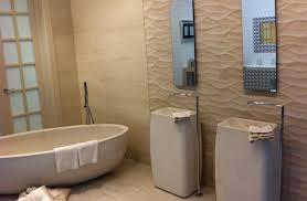 badideen fliesen beige braun die 25 besten badezimmer fliesen beige ideen auf