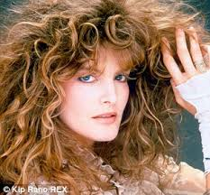 renee russo hair thomas crown affair rene russo 59 on her age defying secrets to staying beautiful
