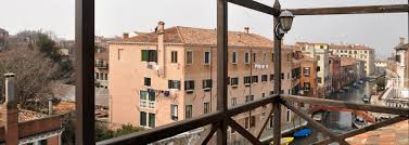 Schlafzimmer Venezia Altana Ferienvillen In Venezia Ville In Italia