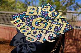 25 The Prettiest DIY Graduation Caps You ll Ever See Gurl