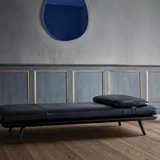 spine daybed great dane contract