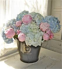 Peony Arrangement Best 25 Peonies Centerpiece Ideas On Pinterest Peony Flower